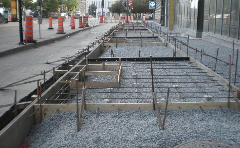 Borders sidewalks other concrete structures les for Complexe claude robillard piscine